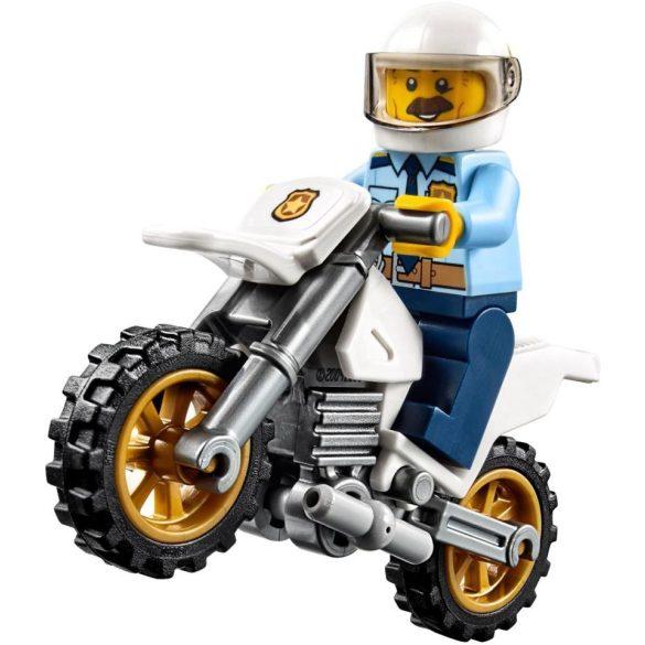 LEGO City 60137 Bajba került vontató