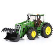 Bruder 03051 John Deere 7930 Traktor homlokrakodóval