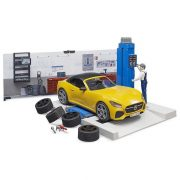 Bruder 62110 Bworld Szerelõgarázs Roadster sportautóval és szerelõ figurával