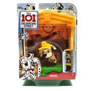 101 kiskutya Dalmata utca 101 - Diesel figura kutyaházzal